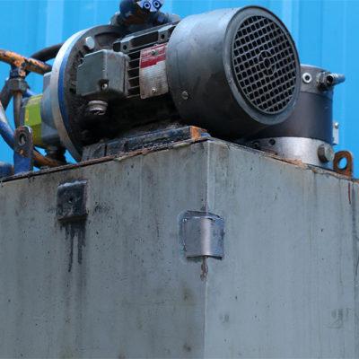Reparatur des Ölsumpfs von Schwermaschinen mit Belzona 1212