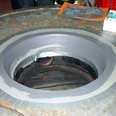 Reparatur der erodierten Bereiche mit Belzona 1311 (Ceramic R-Metal)