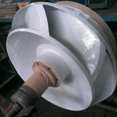 Zum Schutz vor Erosion und Korrosion beschichtetes Pumpenlaufrad