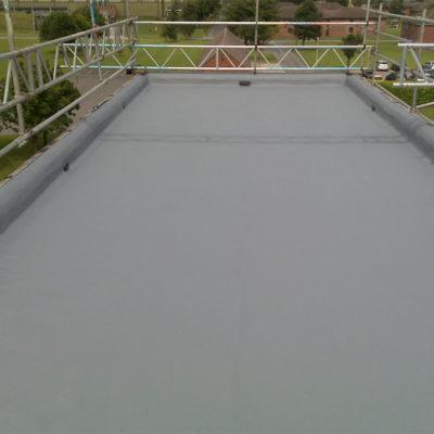 Schutz eines Gebäudedachs mit Belzona 3111 (Flexible Membrane)
