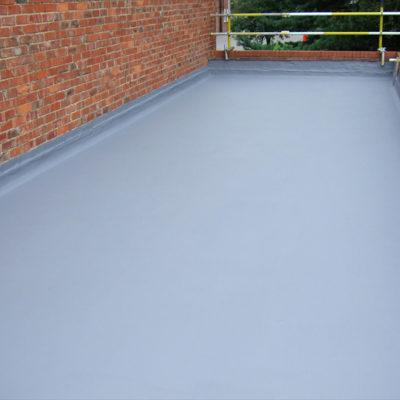 Mit Belzona 3111 (Flexible Membrane) versiegeltes und gegen eindringendes Wasser geschütztes Dach