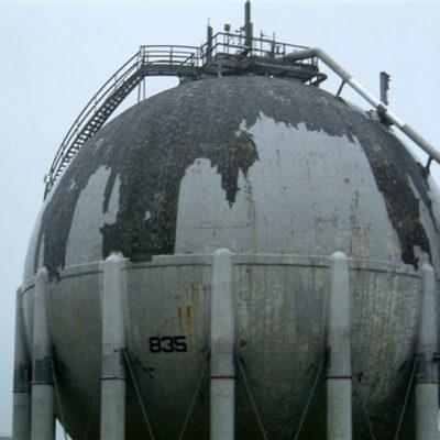 Beschädigte LNG-Gastanks