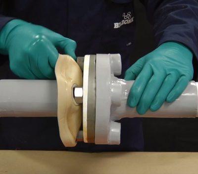 Belzona 3411 (Encapsulating Membrane) kann leicht wieder abgezogen werden.