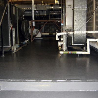 Reparatur und Schutz des undichten Fußbodens mit Belzona 5231 (SG Laminate) ohne Störungen des Krankenhausbetriebs