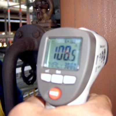Temperaturmessung der warmen Rohrleitung